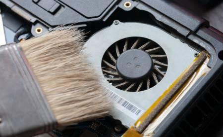 HP laptop ventilator schoonmaken